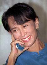 Nobel de la Paz Aung San Suu Kyi es liberada del arresto domiciliario