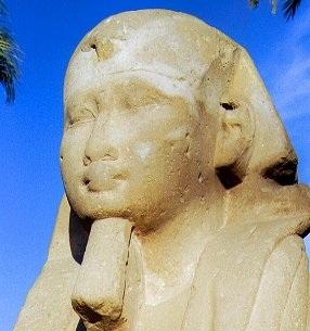 Descubren 12 esculturas de esfinges en Egipto
