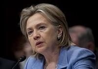 Clinton: fuerte señal a dictadores