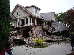 Casa colapsada en el centro de Christchurch.