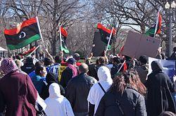 Más deserciones y violencia en Libia
