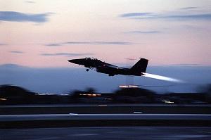 Cae avión de EE.UU. en Libia