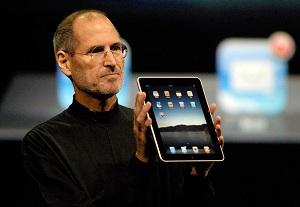 Steve Jobs reaparece con iPad 2
