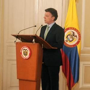 Colombia reclama firma de acuerdo