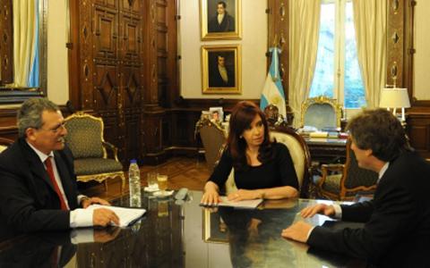 Argentina obtiene calificación negativa