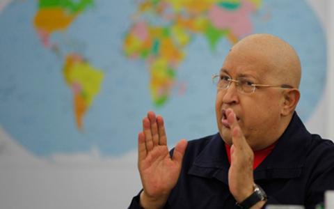 Dos años de vida para Chávez
