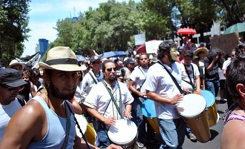 Miles protestan en México en contra de resultados electorales y Televisa
