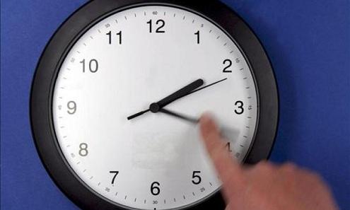 Adelanta tu reloj este domingo