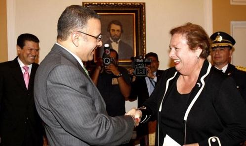 Embajadora de EE.UU. en El Salvador habla de pandillas