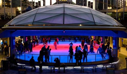 Celebra San Valentín en Robson Square